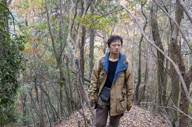 """画像: 予告!俳優・池松壮亮がナレーション""""自然界との向き合い方に心から感動""""とコメント!""""狩猟ブーム""""の先駆けを担ったわな猟師・千松信也に700日密着-『僕は猟師になった』"""