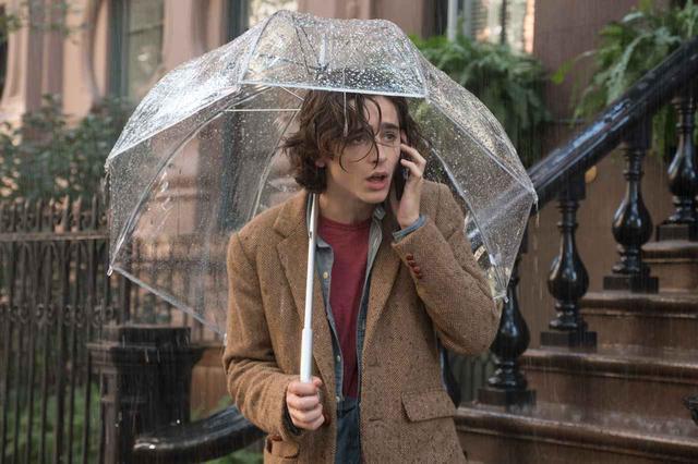 画像: 字幕付き海外予告!ウディ・アレンが贈る、雨のニューヨークへのラブレター!ティモシー・シャラメ×エル・ファニング×セレーナ・ゴメス『レイニーデイ・イン・ニューヨーク』