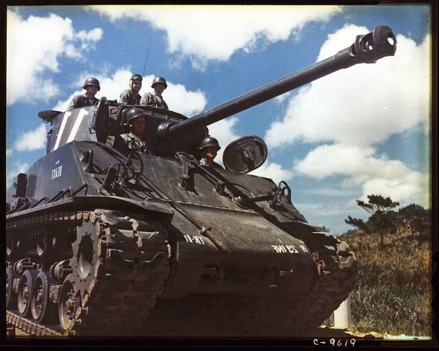 画像2: 「カメジロー」「沖縄スパイ戦史」「主戦場」に続く--日本、唯一の地上戦が行われた沖縄の真実を描いた『ドキュメンタリー沖縄戦 ~知られざる悲しみの記憶~』