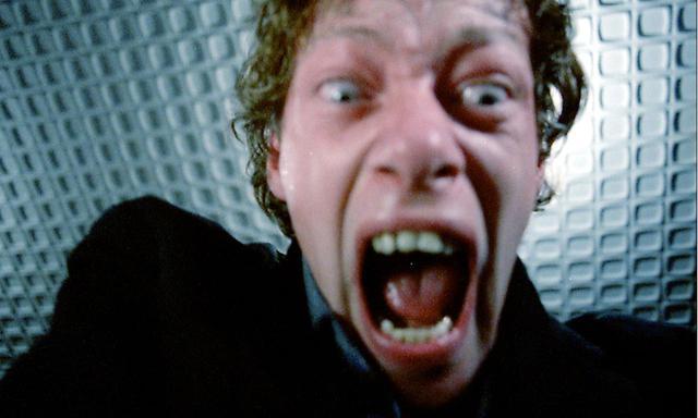 画像8: 世に放たれた狂人が、抑制不能な不安と興奮に包まれた! 実在の殺人鬼の狂った心情に迫る実録スリラー