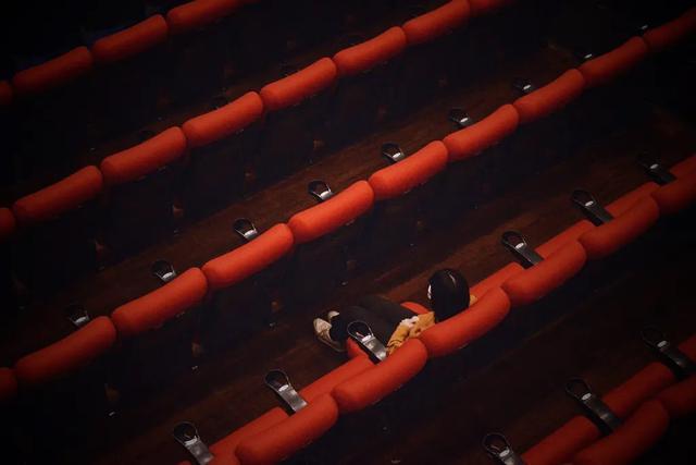 画像: ●≪映画館をひとり占め!!≫ 「CINE QUINTO」3時間貸し切りコース 150,000円