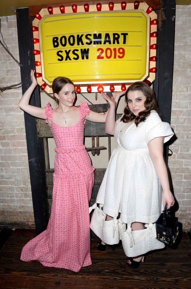画像2: 全米熱狂!旋風はここから始まった-SXSW映画祭でのワールドプレミア映像&30秒予告到着!No.1ハイスクール・バディコメディ『ブックスマート 卒業前夜のパーティーデビュー』