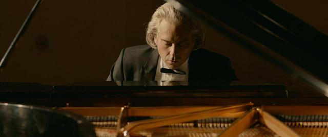 画像8: バッハに愛されたピアニストが失った両腕 不屈の実話が完全映画化