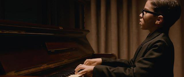 画像1: バッハに愛されたピアニストが失った両腕 不屈の実話が完全映画化