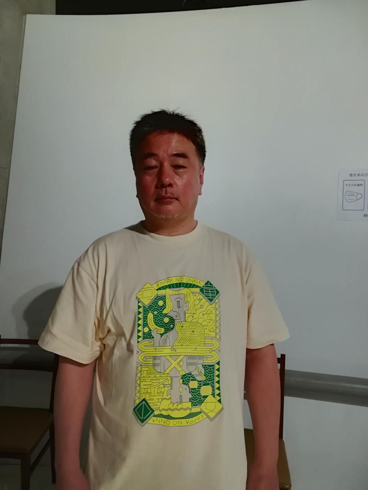 画像: この日出来上がったばかりのTシャツを着た辻野正樹監督