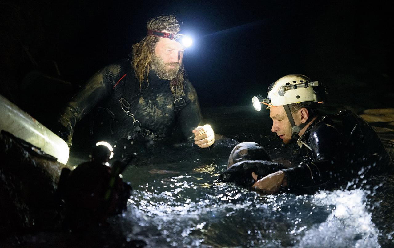 画像2: 世界中が固唾をのんで見守った、あの洞窟遭難事故から2年---奇跡の救出劇が早くも映画化!『THE CAVE(ザ・ケイブ) サッカー少年救出までの18日間』公開!