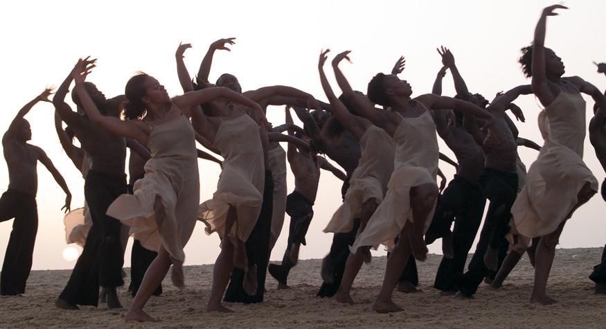 画像: Dancing at Dusk - amoment with Pina Bausch's The Rite of Spring - Sadler's Wells Theatre