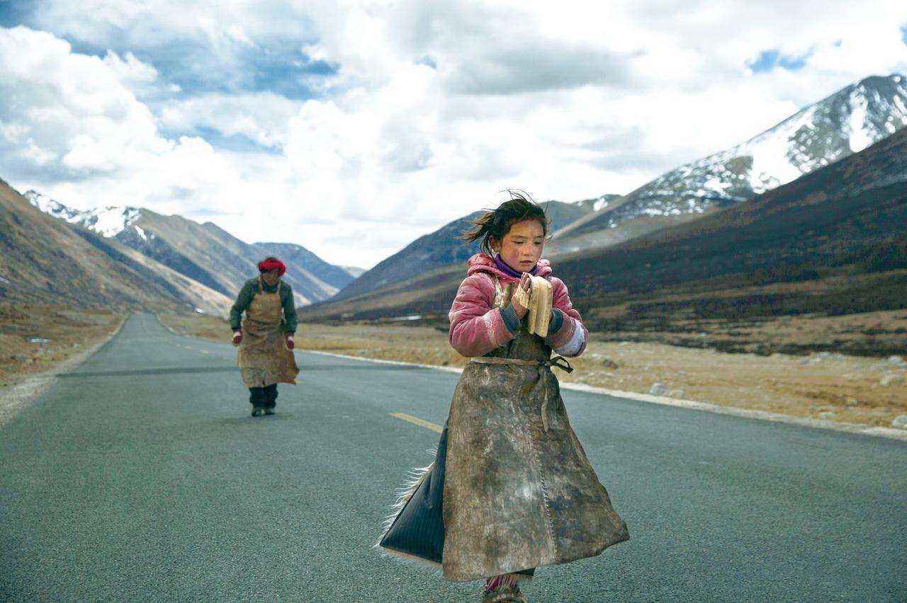 画像: 『ラサへの歩き方 祈りの2400km』 監督:チャン・ヤン (118分 2015年)