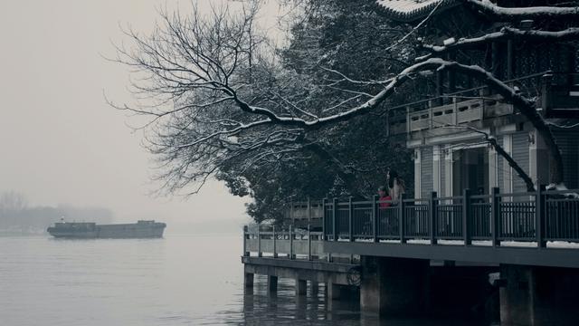 画像5: デビュー作にして、いきなりカンヌ国際映画祭批評家週間クロージング作品に選ばれた中国新世代の才能が描く驚嘆の傑作『春江水暖〜しゅんこうすいだん』