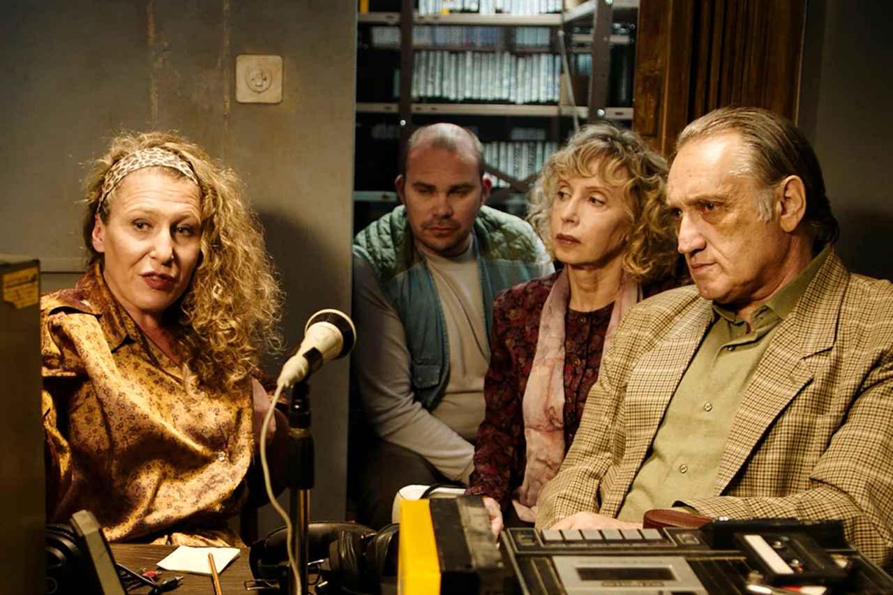 画像2: 名匠フェリーニ作品のビジュアルが 30 年の時を経て『声優夫婦の甘くない生活』版にリメイク! 映画愛溢れる『ボイス・オブ・ムーン』版ビジュアル解禁