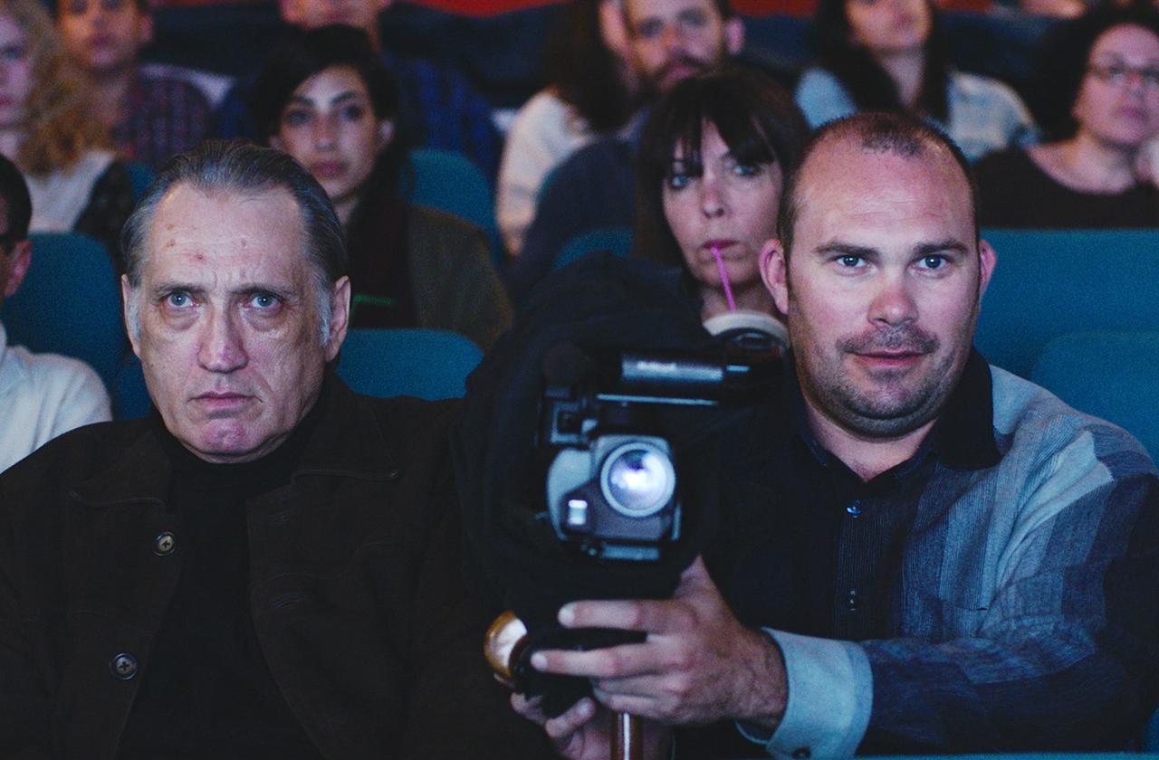 画像4: 名匠フェリーニ作品のビジュアルが 30 年の時を経て『声優夫婦の甘くない生活』版にリメイク! 映画愛溢れる『ボイス・オブ・ムーン』版ビジュアル解禁