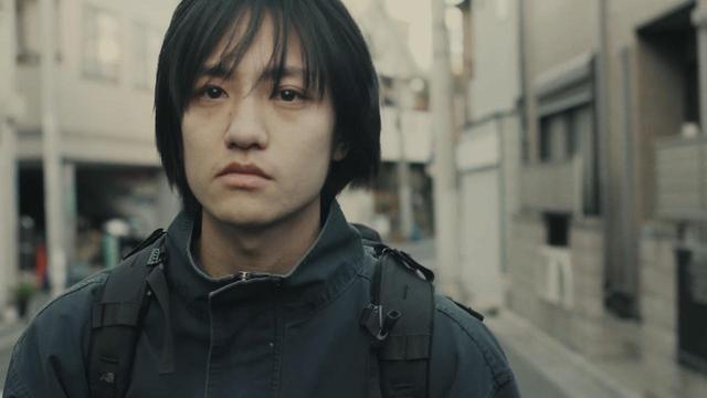 画像: 『中村屋酒店の兄弟』場面写真 藤原さん演じる弟・和馬