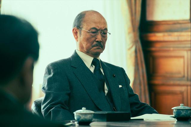 画像: 石橋蓮司 幣原喜重郎(内閣総理大臣)