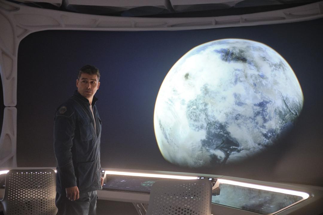 画像2: ジョージ・クルーニーがNetflixと初タッグ!監督・製作・主演でフェリシティ・ジョーンズと共演!〈滅びゆく地球〉と〈広大な宇宙〉を描く壮大な物語『ミッドナイト・スカイ』