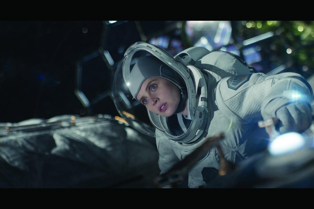 画像3: ジョージ・クルーニーがNetflixと初タッグ!監督・製作・主演でフェリシティ・ジョーンズと共演!〈滅びゆく地球〉と〈広大な宇宙〉を描く壮大な物語『ミッドナイト・スカイ』