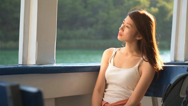 画像: 映画『いつか、どこかで』予告編 youtu.be
