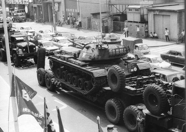 画像1: 1972年、相模原――戦車に立ちはだかったのは、武器を持たない普通の人々だった。知られざる真実に迫る、驚愕のドキュメンタリー『戦車闘争』公開!