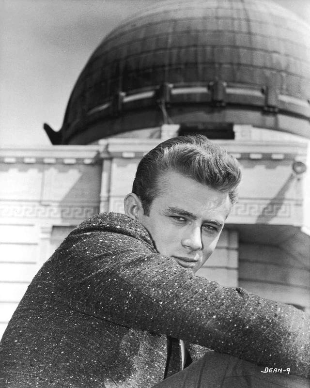 画像: 『理由なき反抗』より © 1955 Warner Bros. Entertainment Inc. All rights reserved.