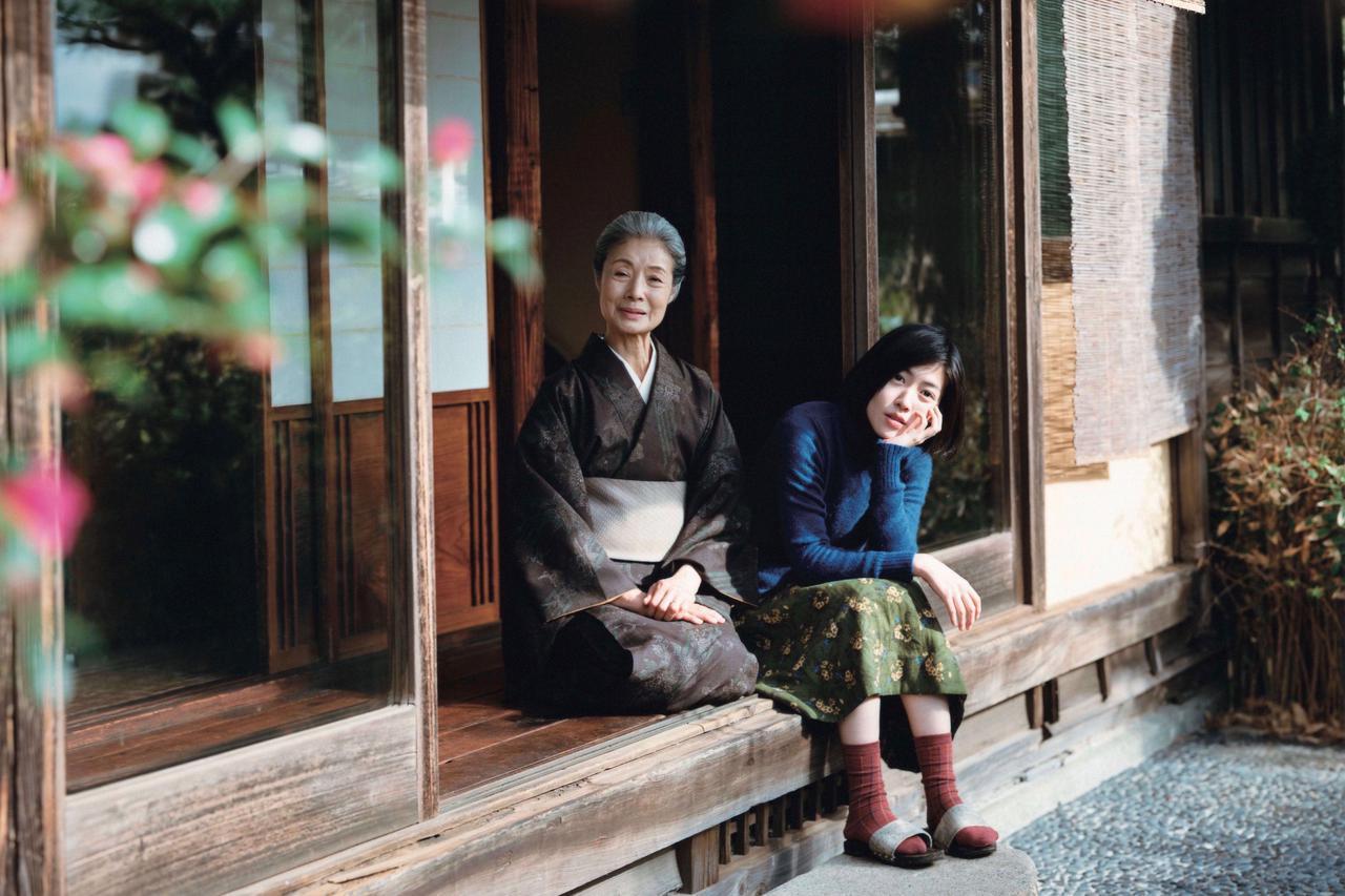 """画像1: ©2020""""A Garden of the Camellias"""" film partners"""