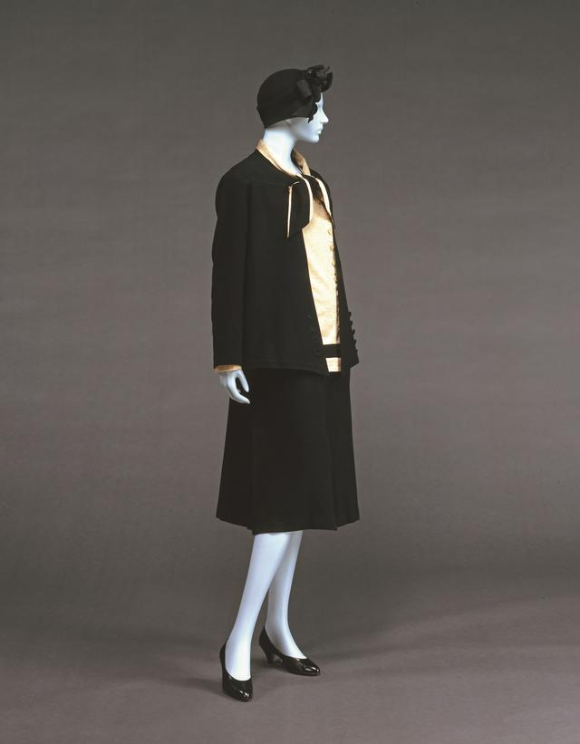画像: ガブリエル ・シャネル《デイ・スーツ》1927 年頃 カシミア 神戸ファッション美術館蔵