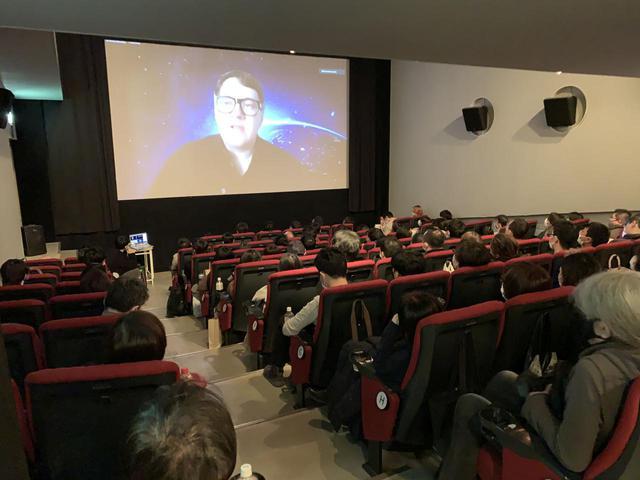 画像1: 衝撃的なバイオレンスとエロティックな描写が物議、賛否の嵐の中、ベルリンで銀熊賞を受賞『DAU. ナターシャ』の奇才イリヤ・フルジャノフスキー監督オンライントーク