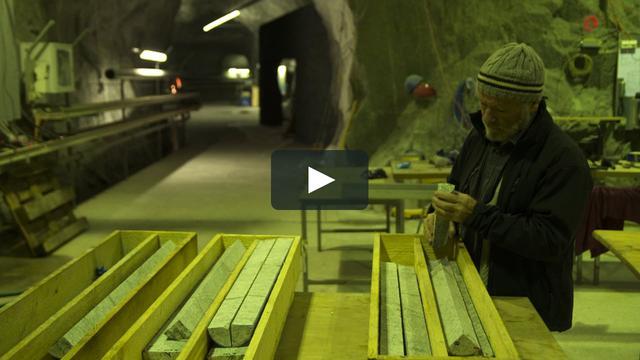 画像1: 地球で最も安全な場所を探して【予告編】 vimeo.com