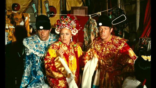 画像2: LES TRIBULATIONS D'UN CHINOIS EN CHINE a film by Philippe de Broca © 1965 TF1 Droits Audiovisuels All rights reserved.