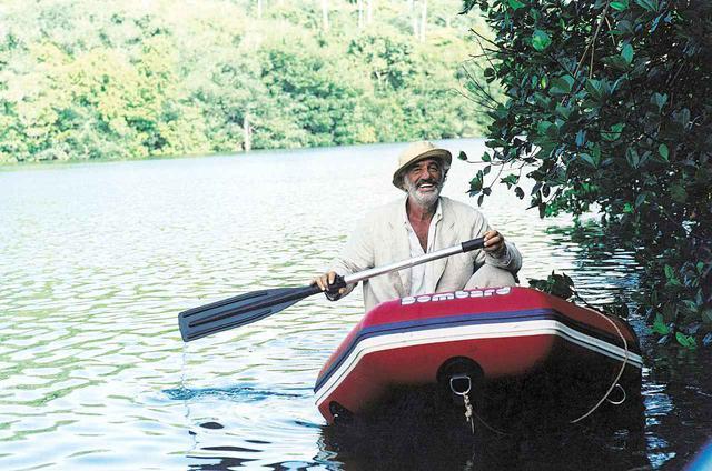 画像1: AMAZONE a film by Philippe de Broca © 1999 STUDIOCANAL - PHF Films All rights reserved.