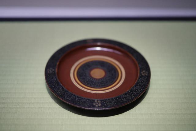 画像: 独楽盆 東南アジア17世紀 根津美術館蔵