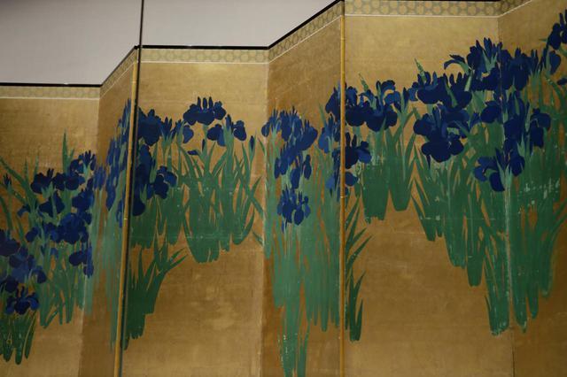 画像1: 尾形光琳 燕子花図屏風 江戸時代18世紀 根津美術館 国宝 右隻(部分)