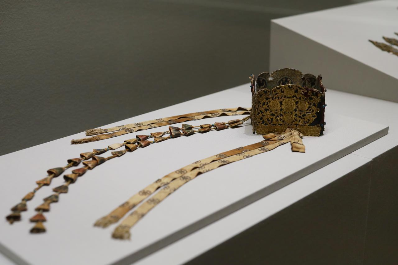 画像: 秘密儀式灌頂法具のうち、宝冠 平安〜鎌倉時代 12〜13世紀 和歌山・龍光院 重要文化財 真言宗の灌頂の儀式で僧侶になる人間がかぶるもの。古代インドの王族の冠をモチーフにしている