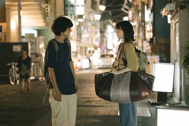 画像: 中田青渚さん出演シーン ©「街の上で」フィルムパートナーズ
