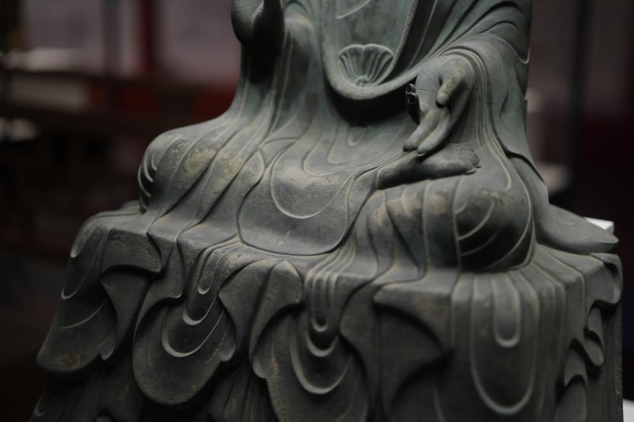 画像1: 薬師如来坐像 飛鳥時代7世紀 奈良・法隆寺 国宝