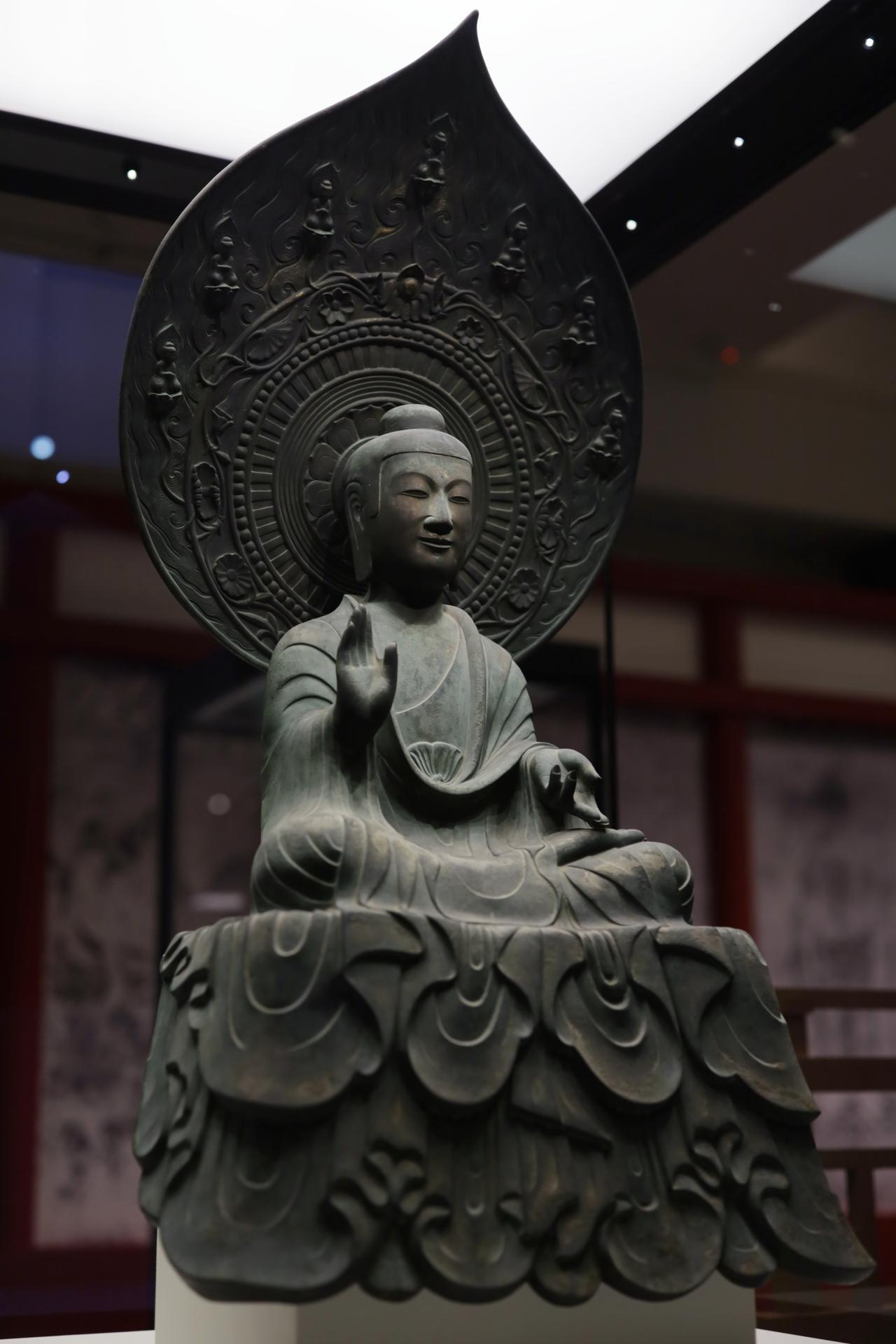 画像2: 薬師如来坐像 飛鳥時代7世紀 奈良・法隆寺(金堂安置)国宝