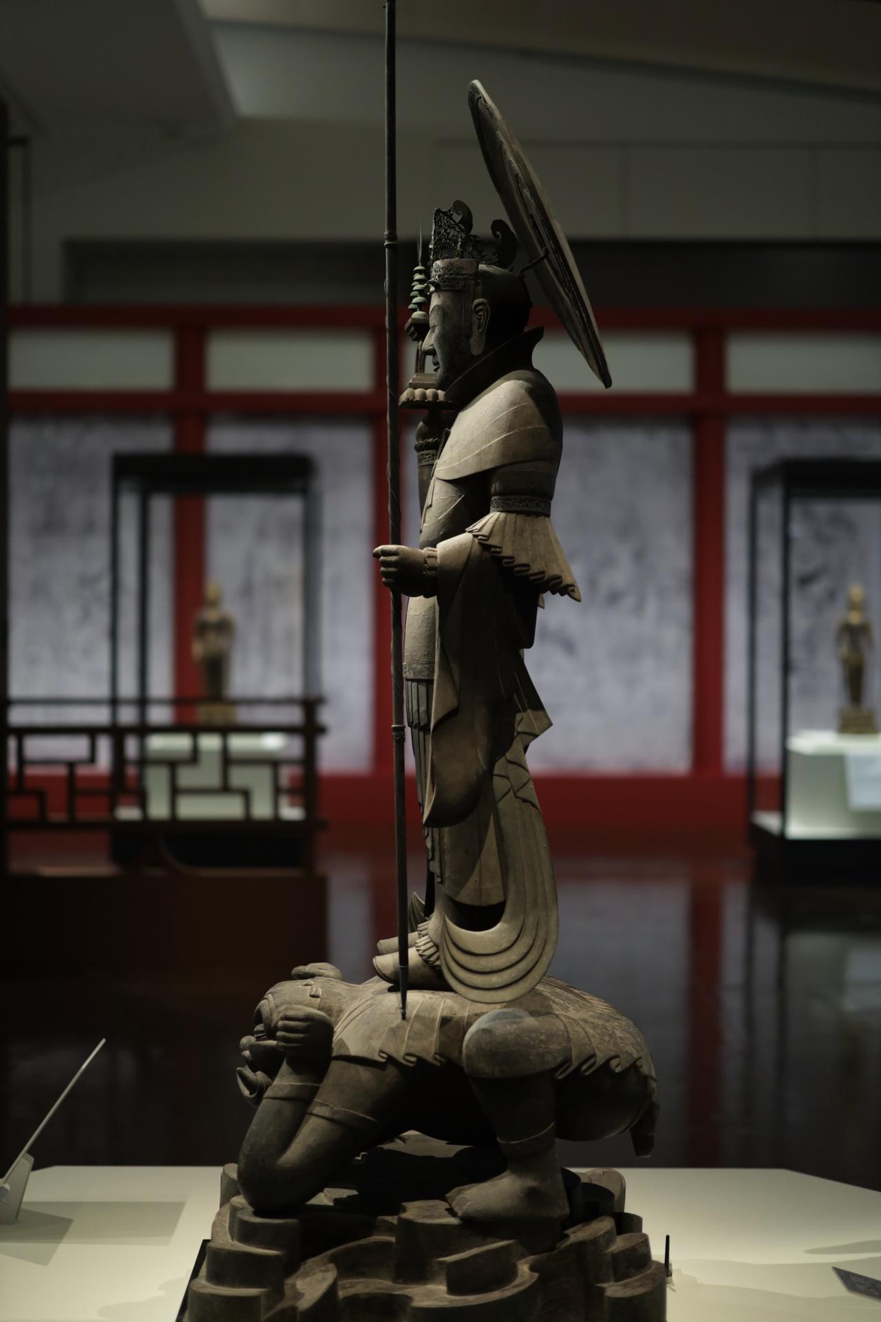 画像2: 四天王立像・多聞天 飛鳥時代7世紀 奈良・法隆寺(金堂安置) 国宝