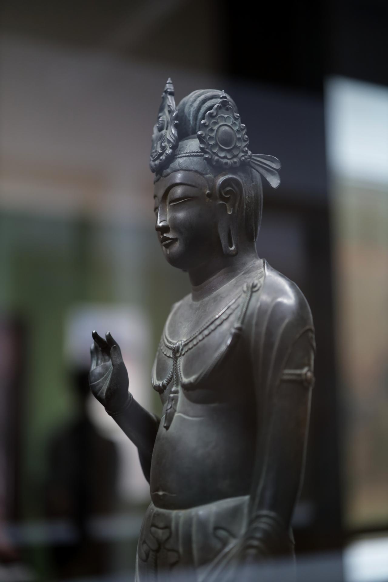 画像: 観音菩薩立像 「夢違観音」 飛鳥時代8世紀 奈良・法隆寺(旧 東院・絵殿安置)国宝 部分