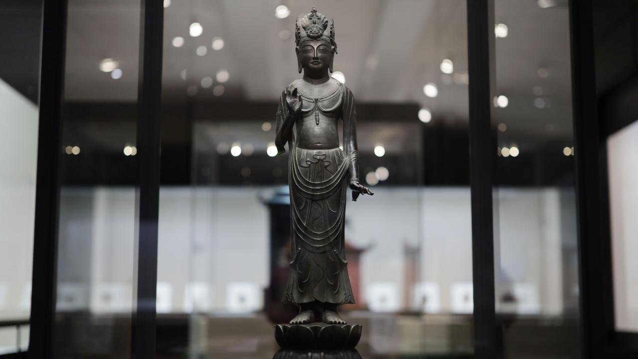 画像2: 観音菩薩立像 「夢違観音」 飛鳥時代7〜8世紀 奈良・法隆寺 国宝