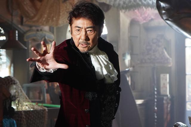 画像1: ©横関大/講談社 ©2021「劇場版 ルパンの娘」製作委員会