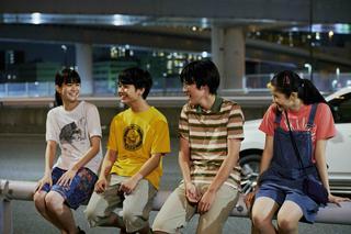 メイキング写真(バンドメンバーのメイキング写真。左から栗林、寄川、大友、中田)