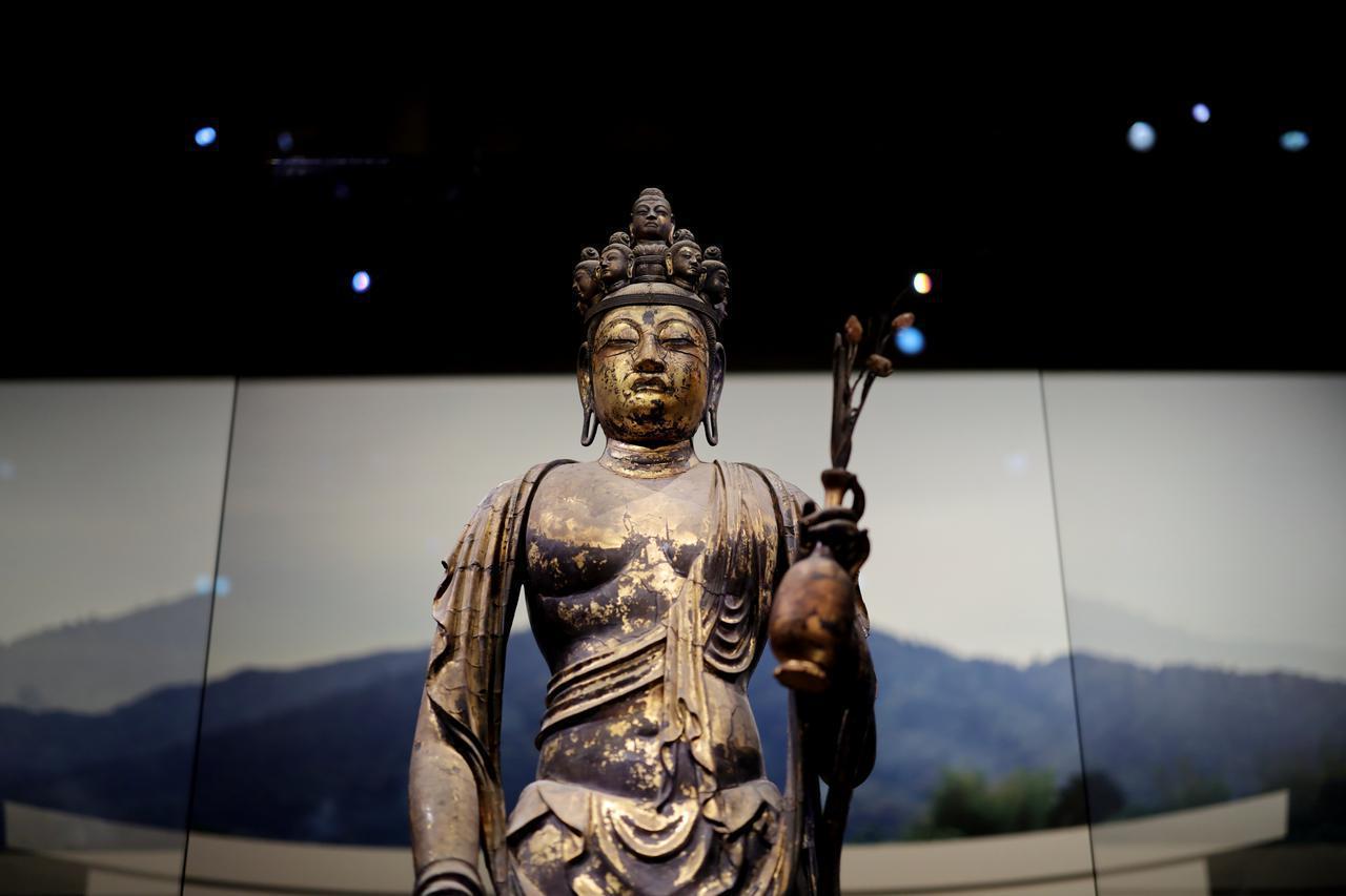 画像1: 国宝 十一面観音菩薩立像(部分) 奈良時代・8世紀 奈良・聖林寺蔵