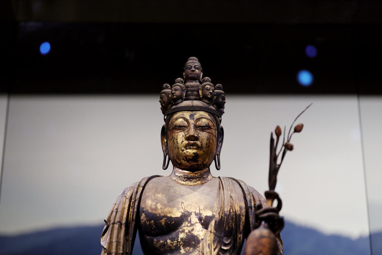 画像4: 国宝 十一面観音菩薩立像(部分) 奈良時代・8世紀 奈良・聖林寺蔵