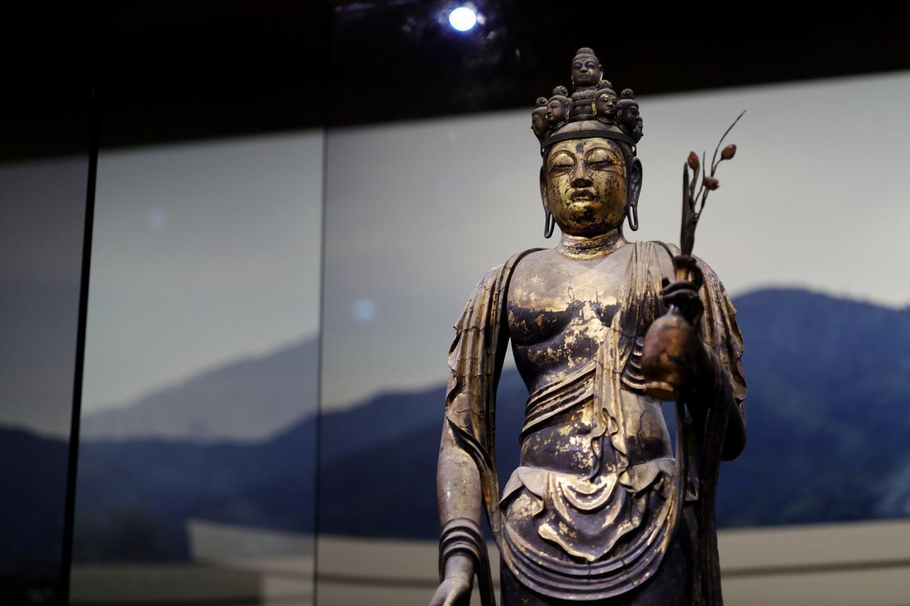 画像3: 国宝 十一面観音菩薩立像(部分) 奈良時代・8世紀 奈良・聖林寺蔵