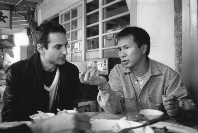 画像: 撮影時のアサイヤス監督(左)とホウ・シャオシェン監督(右) (C) AMIP-La Sept ARTE-INA-France 1997