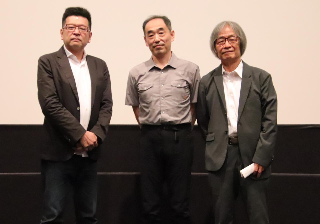 画像: 左より内山雄人監督、鮫島浩、河村光庸プロデューサー