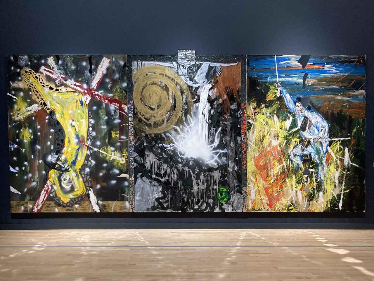 画像: 「神話の森へ」の会場風景より:左:《男の死》 1985年 横尾忠則現代美術館、中:《滝壺》 1985=87年 セゾン現代美術館、右:《Kusanagi No Tsurugi》 1985年 作家蔵(横尾忠則現代美術館寄託) photo©️saitomoichi