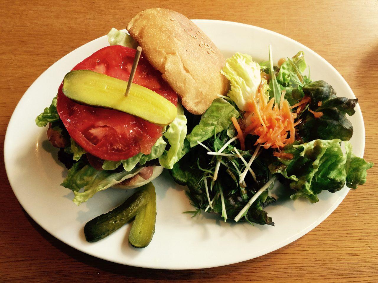 画像: 決めつけてみる。ライダー なぜハンバーガーが好きなのか?