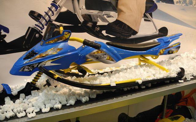 画像: 【ギフトショー15】ヤマハのバイクそっくりな子供用そり、売れ行きは上々