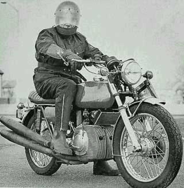 画像: 回る回るよロータリーは回る? - LAWRENCE - Motorcycle x Cars + α = Your Life.
