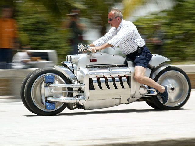 画像2: 【世界最速バイク】マッハ0.55(時速670km)のダッジ・トマホーク!