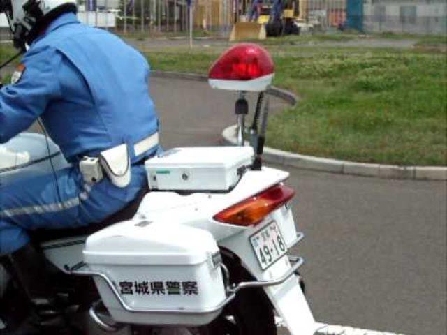 画像: 地味だけど凄まじい。白バイの超絶テクニックを見よ。 - LAWRENCE(ロレンス) - Motorcycle x Cars + α = Your Life.